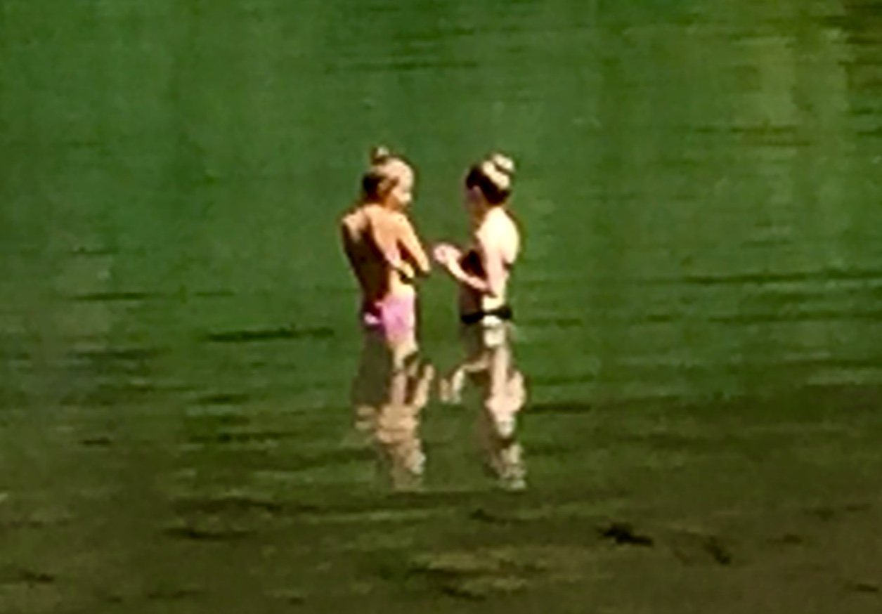 Two Bathers - Lac des Chavonnes – Version 4